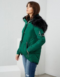 Doudoune verte à capuche - Fabriqué en Europe - Différentes tailles - Boutique de prêt à porter - L'appart du 6
